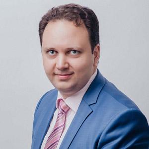 Организатор мероприятий Геннадий