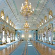 Константиновский дворец