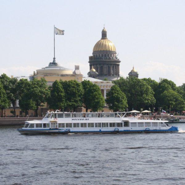 Теплоход «Москва 183»