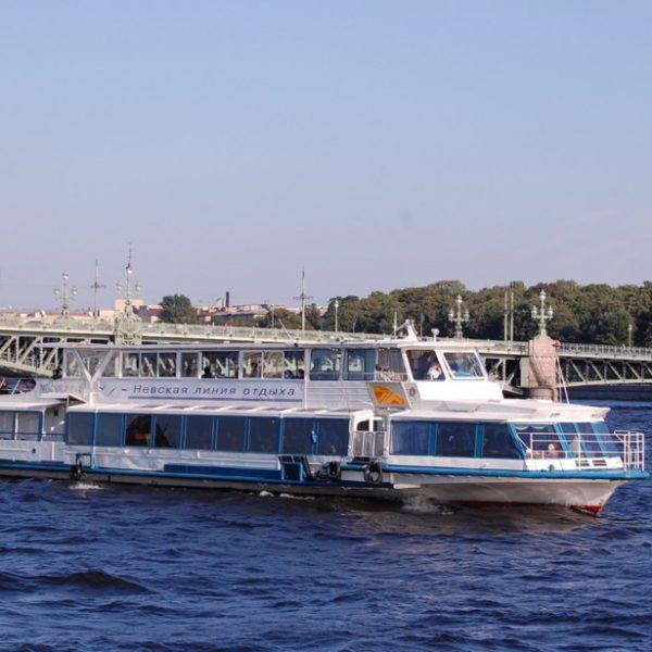 Теплоход «МОСКВА-194»